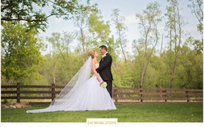 Mindy+Toby | The Barn at Harvest Moon Pond | Poynette Wisconsin