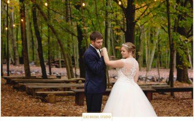 Jamie+Brady Wedding | Swan Barn Door | Wisconsin Dells